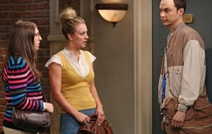 TheBigBangTheory-Episode702-TheDeceptionVerification-PromotionalPhotos8_595_slogo_zps7583e6f6