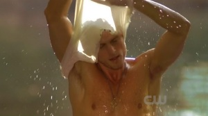 wilson-bethel-shirtless-hart-dixie-10192011-04