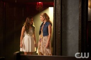 the-originals-season-1-episode-4-girl-in-new-orleans-davina-cami-talk